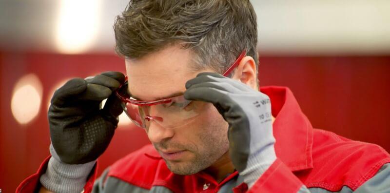 Schutz der Augen bei der Arbeit